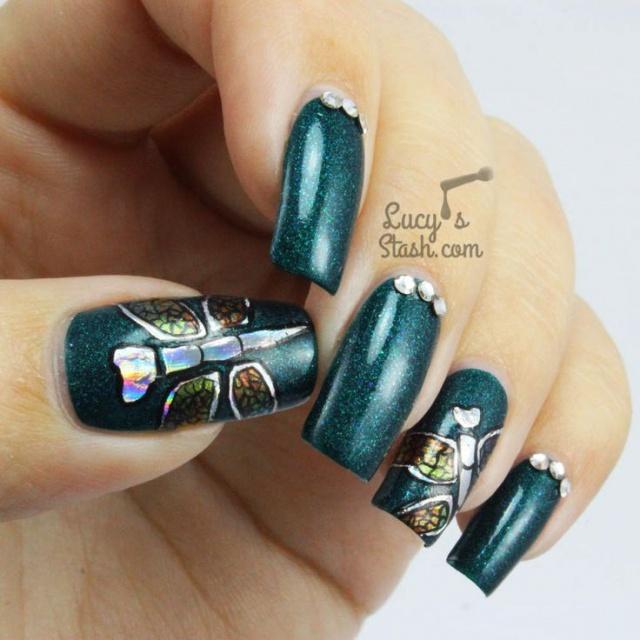 дизайн ногтей стрекоза зелёный