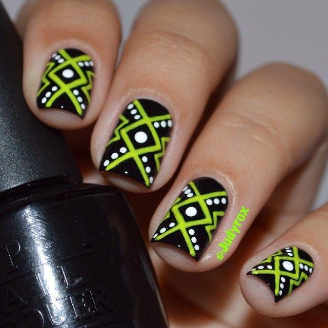 Фотки ногтей с лентой для дизайна