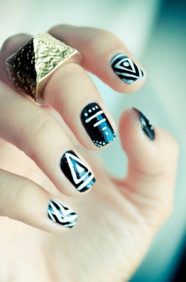 Рисунок геометрический для ногтей