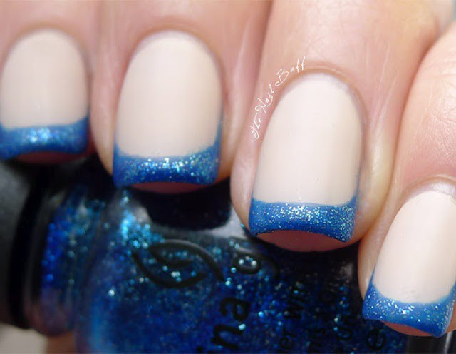 глиттер дизайн блёстками белый с синей каёмкой beautiful nail design glitter