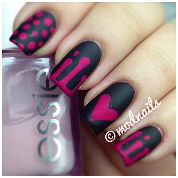 red black manicure heart красно чёрный дизайн ногтей сердечко