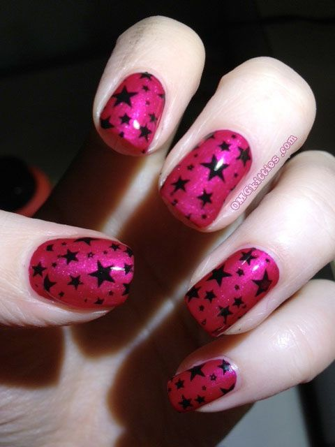 red black manicure красно чёрный дизайн ногтей звездочки