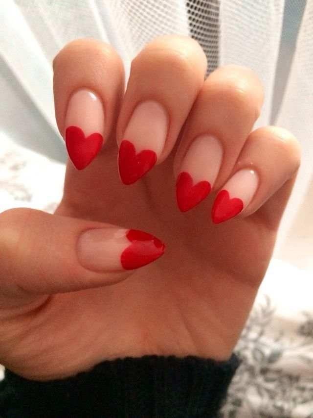 дизайн красных ногтей миндалевидные ногти сердечко red nail design trends