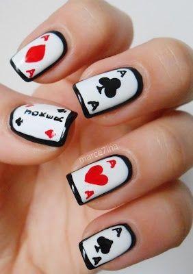 Дизайн на ногтях карты