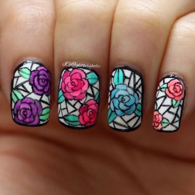 Дизайн ногтей витраж