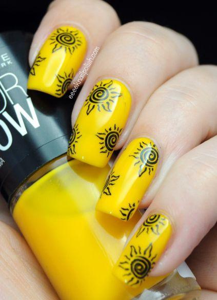 Маникюр с жёлтыми цветами