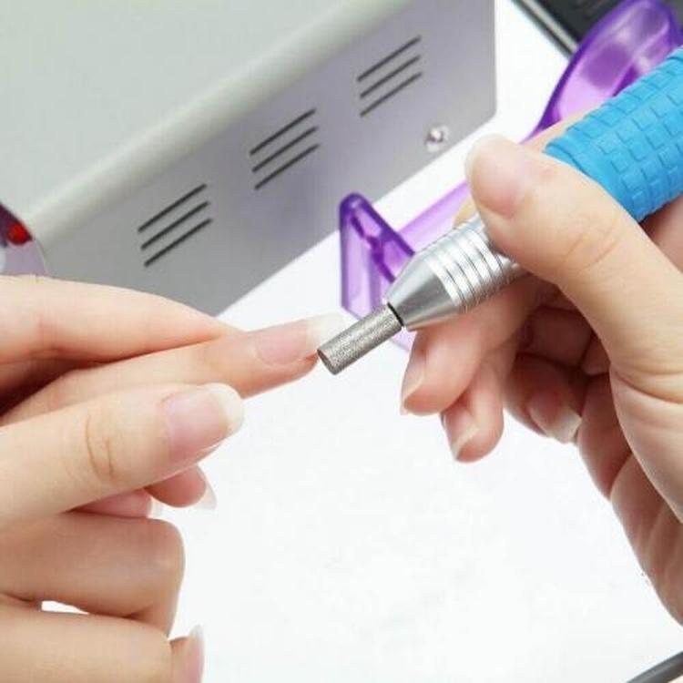 Как лечить пропилы после аппаратного маникюра