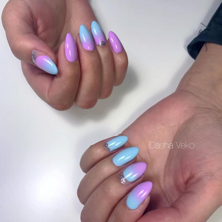 2021 Маникюр голубой с сиреневым