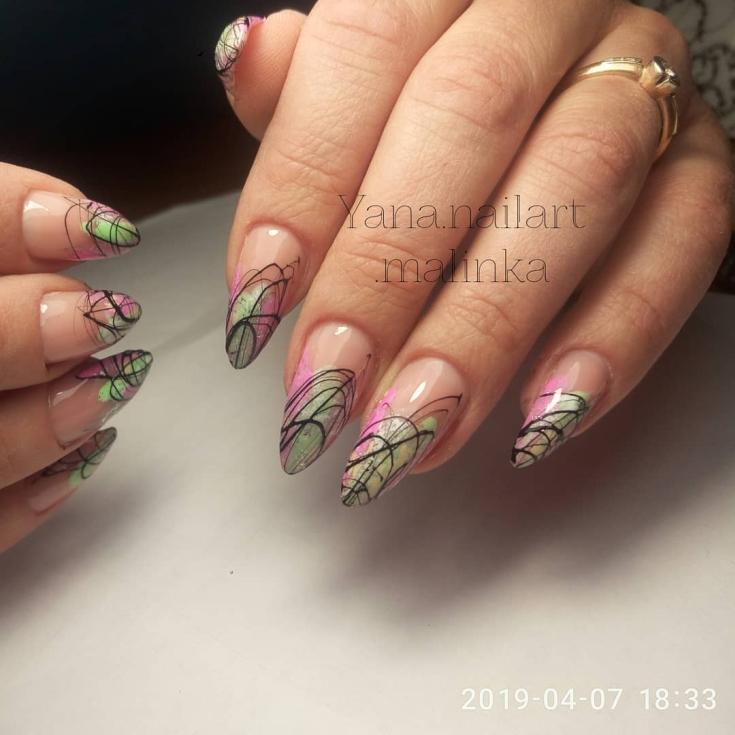Весенний маникюр на острые ногти