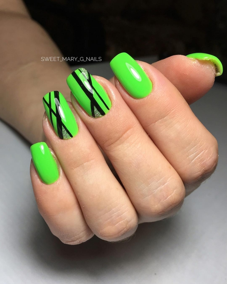 Кислотный зелёный маникюр