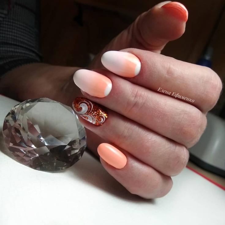 2021 Маникюр оранжевый с белым