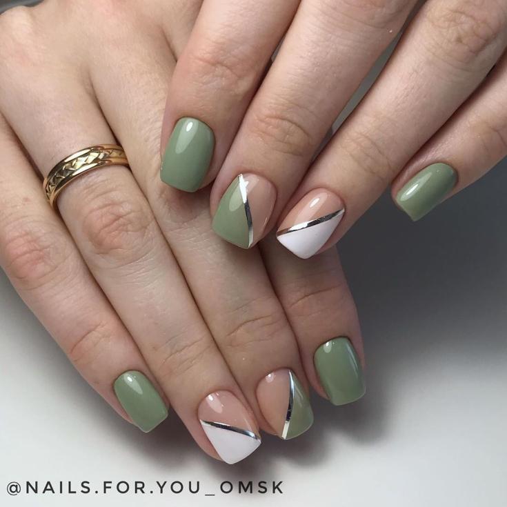2021 Маникюр зелёный с белым