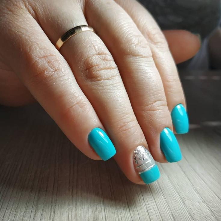 Маникюр голубой с серым