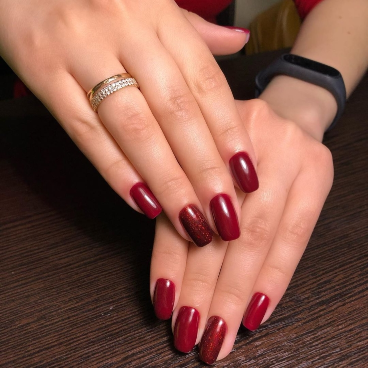 Бордовый маникюр на квадратные ногти