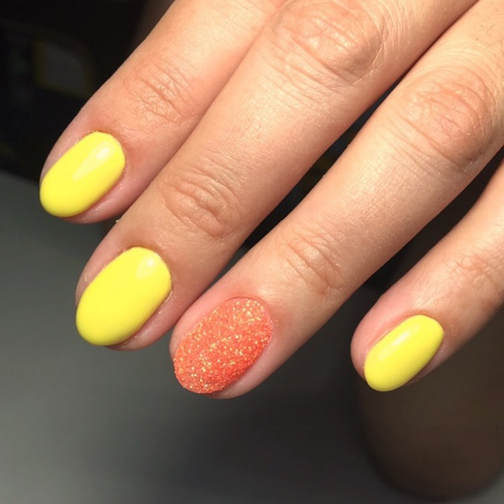 Маникюр жёлтый с оранжевым