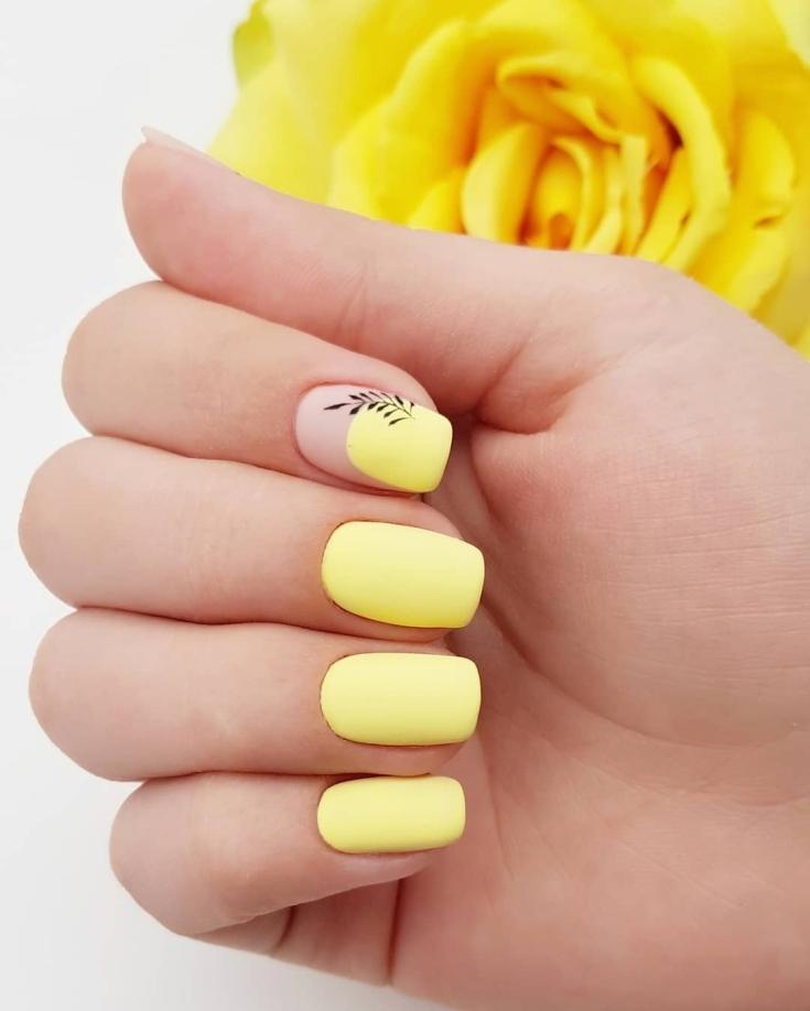 2021 Летний жёлтый маникюр