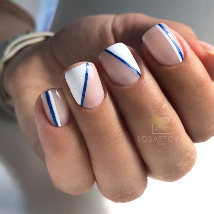 2021 Маникюр синий с белым