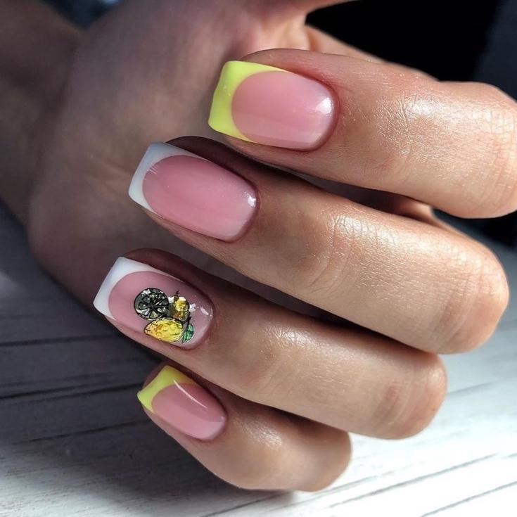 Маникюр жёлтый френч