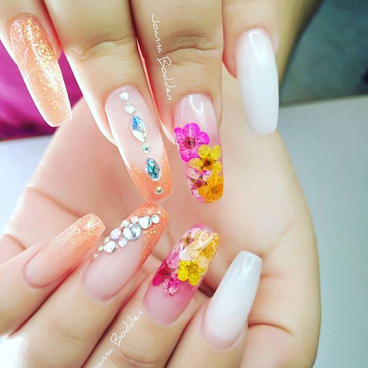 отнюдь являются дизайн акриловых ногтей фото новинки работы, положительные